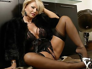Shocking older cougars having sex