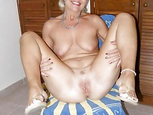 Mature mommies with sloppy cunt
