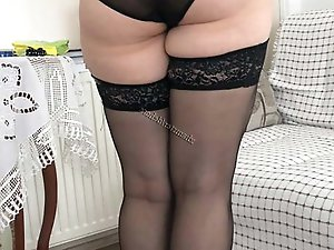 Older housewife get naked for you