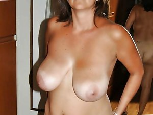 Older milf gets ready for porn