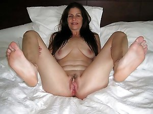 Elegant-looking mature babes like a tasty cock so much