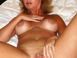 Adorable older gilf baring it all on photo
