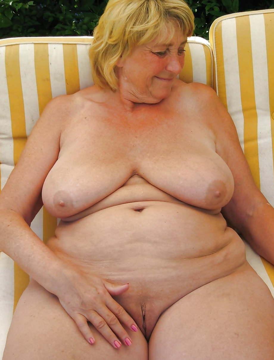 Смотрет голых бабушок фотки